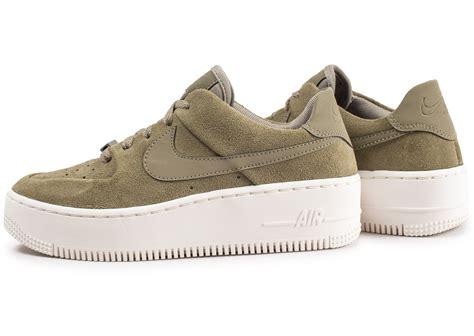 nike air one weiß nike air 1 low kaki femme chaussures toutes les baskets sold 233 es chausport