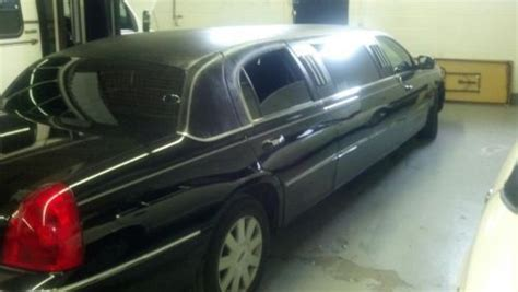purchase  limo limousine stretch town car lincoln