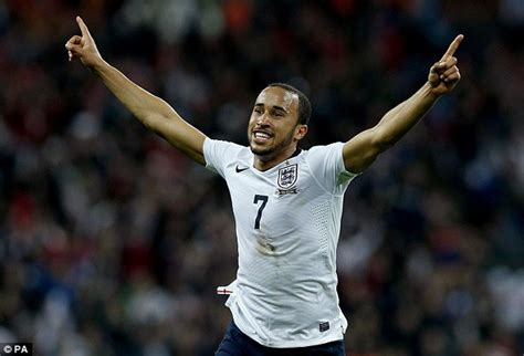 Andros Townsend agrees new Tottenham contract | Daily Mail ...