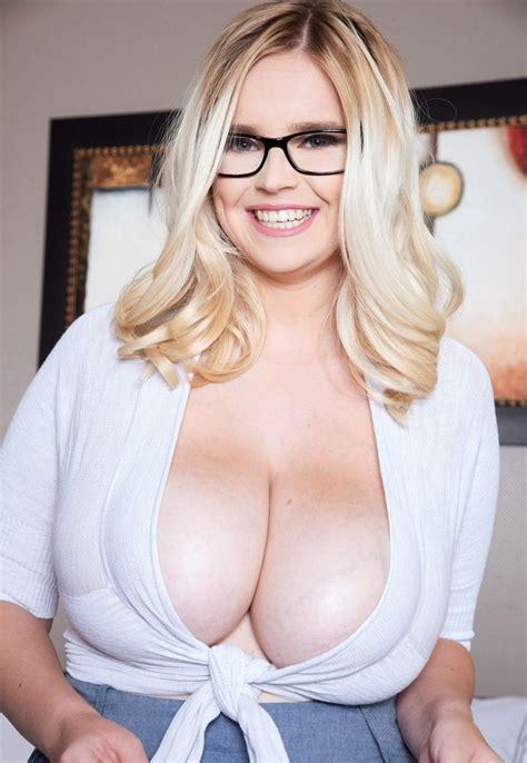 Codi Vore glasses cleavage   Top Heavy   Pinterest   Glasses