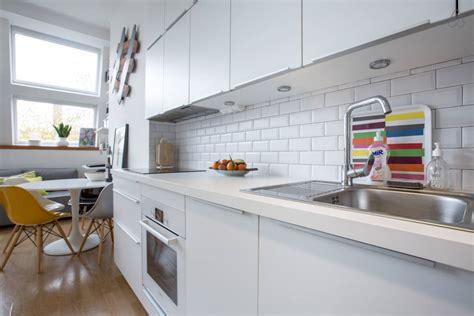 faience cuisine et blanc carrelage moderne cuisine dcoration cuisine bois