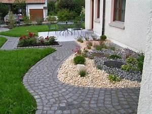 Vorgarten Gestalten Rindenmulch : vorgartengestaltung mit kies 15 vorgarten ideen ~ Eleganceandgraceweddings.com Haus und Dekorationen