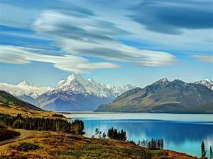 Bautiful Incredibly Blue Lake Pukaki At New Zealand   Wallpapers13 Com