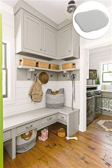 Impressive DIY Stencil Ideas From Popular Home Decor Magazines