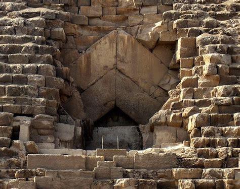 pyramids  khufu khafre menkaure   great