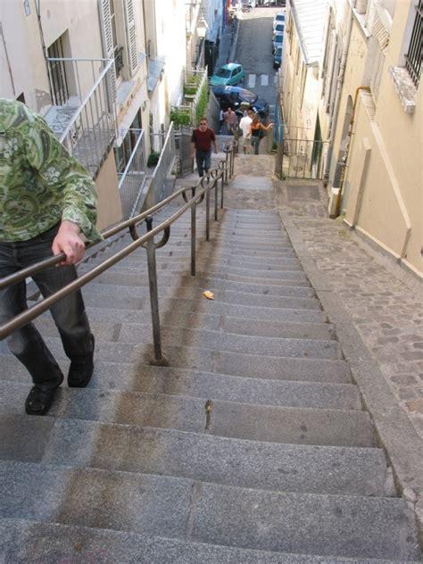 les escaliers de la butte montmartre paris paris dans