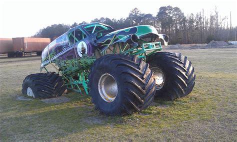old grave digger monster truck grave digger world headquarters poplar branch nc 2 flickr