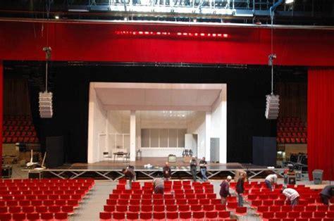 voici quelques salles de concerts que nolwenn a fait en