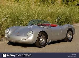 Porsche Spyder 550 : porsche 550 spyder james dean replica stock photo 47763188 alamy ~ Medecine-chirurgie-esthetiques.com Avis de Voitures