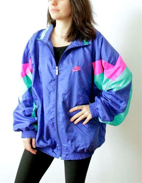 25+ best ideas about Retro Windbreaker on Pinterest | Long raincoat Hip hop dress and 90s ...