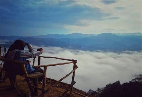 indahnya wisata alam negeri  atas awan kabupaten lebak