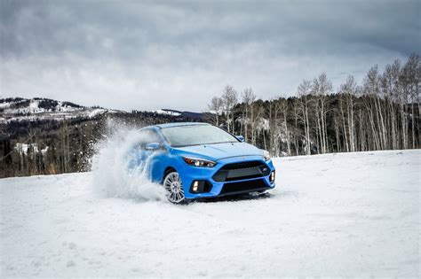 ford focus rs  winter tire package  bring   snow