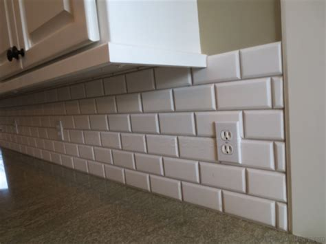 beveled subway tile ceramic subway tile 3 pro installation secrets diytileguy