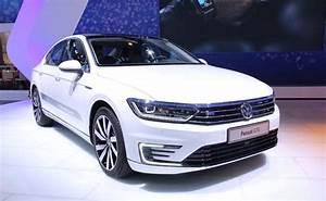 Volkswagen Passat Gte : volkswagen passat gte plug in hybrid all you need to know ndtv carandbike ~ Medecine-chirurgie-esthetiques.com Avis de Voitures