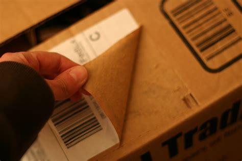 How To Remove Shipping Labels From Boxes