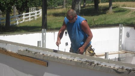 building  net  energy home pouring concrete