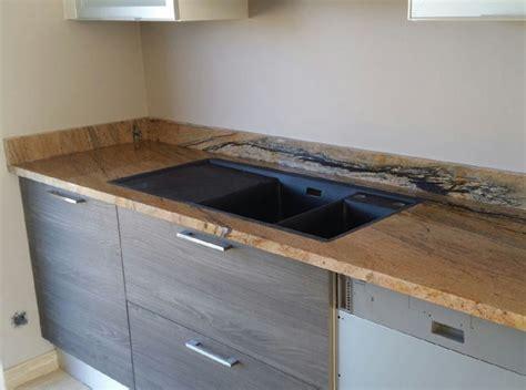 fabriquer un plan de travail pour cuisine plan de travail de cuisine pas cher granit carioca gold