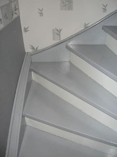 escalier repeint en gris escalier repeint et mont 233 e d escalier relooke