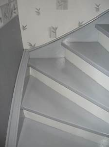 escalier en couleur gris ciabizcom With peindre son escalier en blanc 10 relooking escalier le grenier de christelle