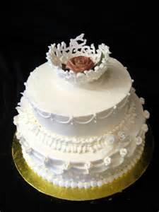 buttercream wedding cakes buttercream wedding cake mitts
