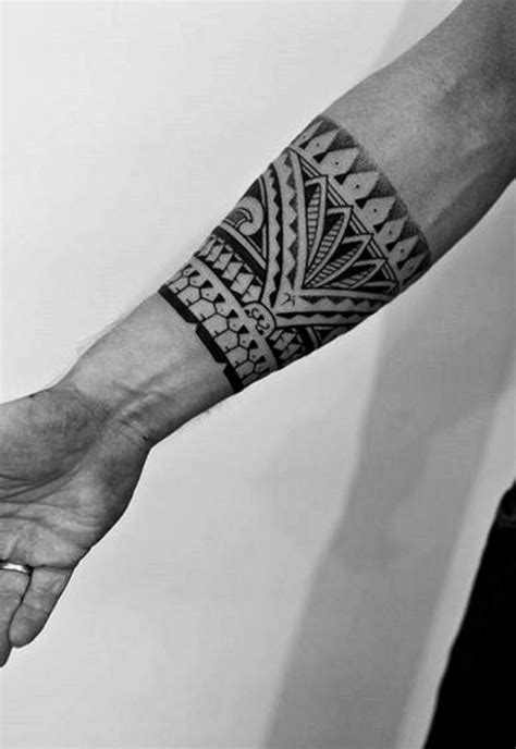 40 Perfect Armband Tattoo Designs For Men And Women