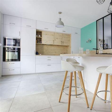 cuisine blanc laqué et bois cuisine blanc et bois id 233 es d 233 co c 244 t 233 maison