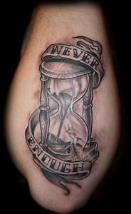 40+ Hourglass Tattoos Ideas
