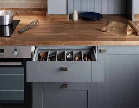 Fairford Slate Grey Kitchen   Shaker Kitchens   Howdens