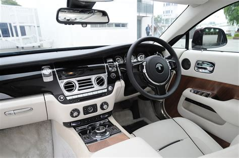 rolls royce interior 2014 rolls royce wraith drive motor trend