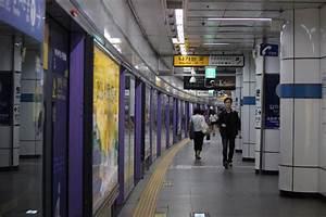 Seoul Subways a Joy | Journalism Without Walls Korea 2016