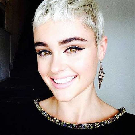 short hairstyle pics  lady    short hairstyles