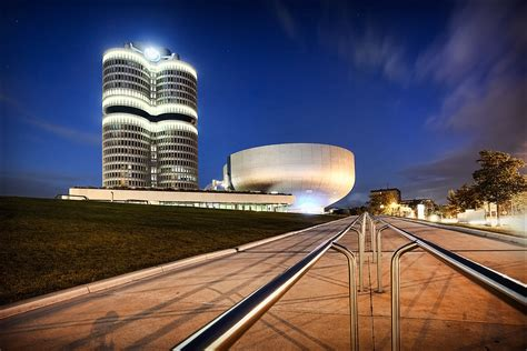 bmw headquarters oliver fluck photography