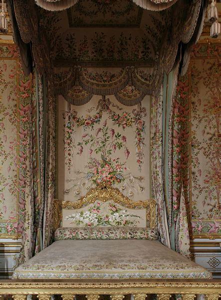 chambre de la reine versailles file château de versailles chambre de la reine lit 01