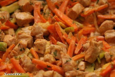 cuisiner des cotes de porc emincé de porc aux petits légumes les goûts les