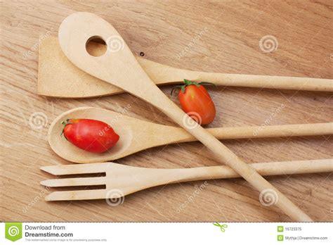 ustensiles de cuisine en bois ustensiles en bois de cuisine photo libre de droits
