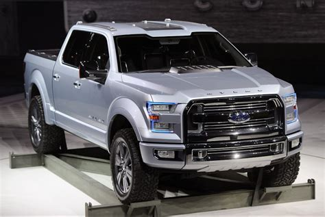 ford steals  show  naias  atlas truck concept