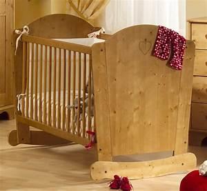 Lit Bois Bebe : photo lit bebe en bois ~ Teatrodelosmanantiales.com Idées de Décoration
