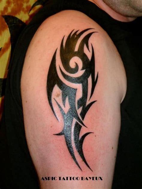 tatouage cercle bras 17 best ideas about tatouage tribal bras on