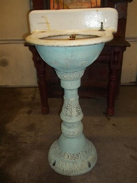 vintage cast iron bathroom sink 106 best images about cast iron sinks on pinterest