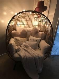 Egg, Chair