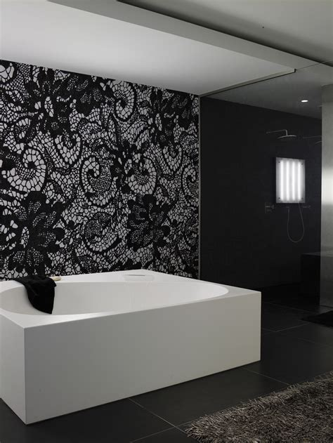tapete fürs badezimmer motiv tapete fürs badezimmer burlesque by wall decò design christian benini
