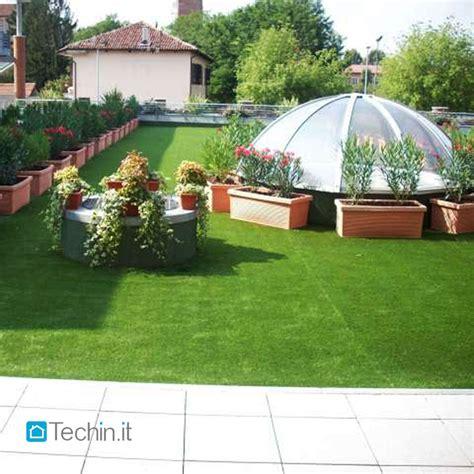 prato artificiale terrazzo terrazzo con erba sintetica
