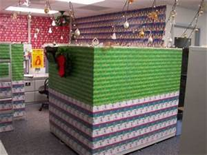 Decorating Your Cubicle for the Holidays Made Fun