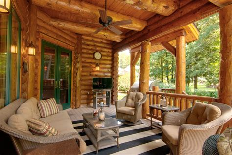 gorgeous  inviting log cabin style porch decorating