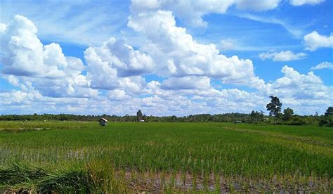 gambar awan biru indah