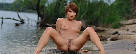 Katrin B Nude Lake Met Art Redbust Hot Girls Wallpaper
