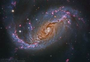 Barred Spiral Galaxy from Hubble : space