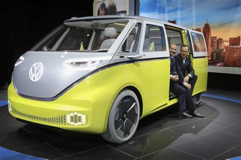 ford bronco detroit auto show 2017 5 cars suvs 39 magic 39 minivan