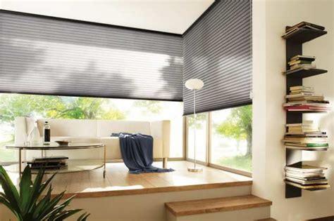Dekorativ Und Praktisch Plissees Und Rollos Fuer Dachfenster by Die Besten 25 Gardinen F 252 R Dachfenster Ideen Auf