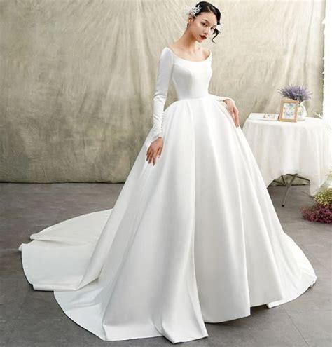 choosing  white   ivory wedding dress bride party
